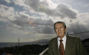 Muere el poeta y maestro de periodistas Manuel Alcántara