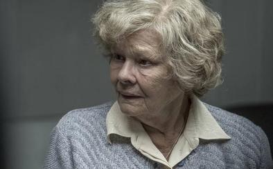 Judi Dench: «En cada estreno teatral he llorado al pensar que no me dejarían actuar más»