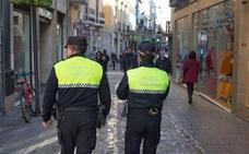 El juez deja en libertad con cargos al detenido por masturbarse en la calle en plena Semana Santa