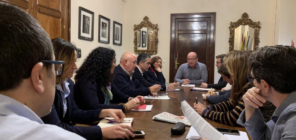 Márquez renueva la lista del PP y subraya que «no vienen buscando un empleo»