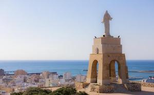 Ruta para divisar las mejores vistas de Almería desde el Cerro de San Cristóbal