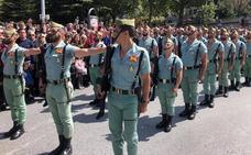 La Legión canta 'El Novio de la Muerte' en Granada