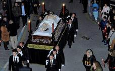 La cofradía más antigua de Lanjarón, fundada en 1572, procesionó el Viernes Santo