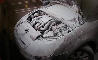 Desalojan el Mercadona de Mancha Real al arder un coche del párking