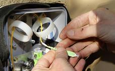 Las grandes compañías telefónicas no trabajan con fibra óptica en el casco antiguo de Granada