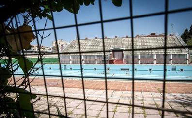 La Universidad aborda con el CSD la reconstrucción de la piscina olímpica de Fuentenueva