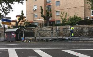 Queman tres contenedores de basura en Granada provocando daños por valor de 6.000 euros