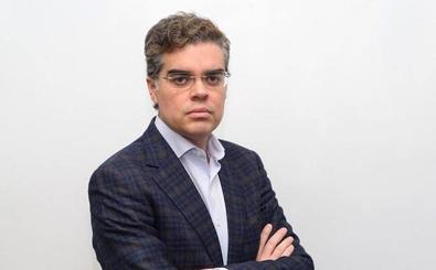 Vicente Azpitarte: el jefe de Deportes que quiere jugar en el Senado, en cinco datos