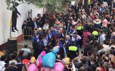 El alcalde de Coripe: «Aquí no quemamos a Cataluña, sino un muñeco de un señor fugado de la Justicia»