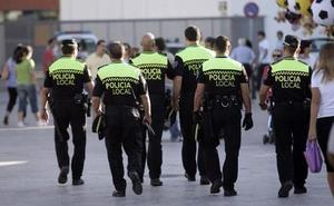 Así son los exámenes de las oposiciones a Policía Local y bomberos en Granada