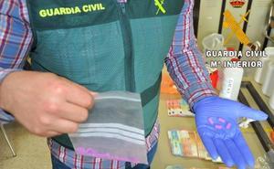 Desmantelado un laboratorio de droga en Murcia que vendía en Almería