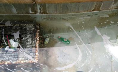 Un bote de Fairy es la causa de la espuma en la Fuente de Colón