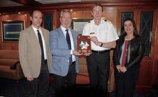 Motril recibe un crucero de lujo, de una naviera nueva, en el que los pasajeros han pagado 10.000 euros