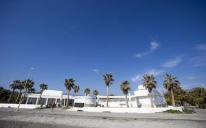 Se vende chiringuito en Playa Granada por 'Wallapop'