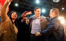 Sánchez aprovecha la pelea de Rivera y Casado para redoblar la batalla por el centro
