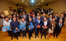 Los jóvenes empresarios entregan sus premios a la iniciativa y a la trayectoria