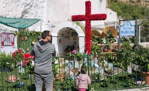 Veinte cruces con barra animarán Granada en el Día de la Cruz