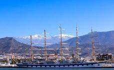 El velero Royal Clipper vuelve a hacer parada en el puerto de Motril