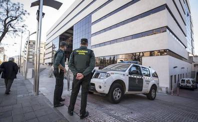 Pasan a disposición judicial los dos detenidos por el homicidio de la calle Elvira