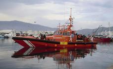 Rescatados 42 inmigrantes subsaharianos trasladados al puerto de Motril
