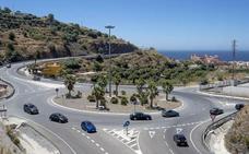 Dos menores de 15 años, hospitalizados tras un accidente de moto en Almuñécar
