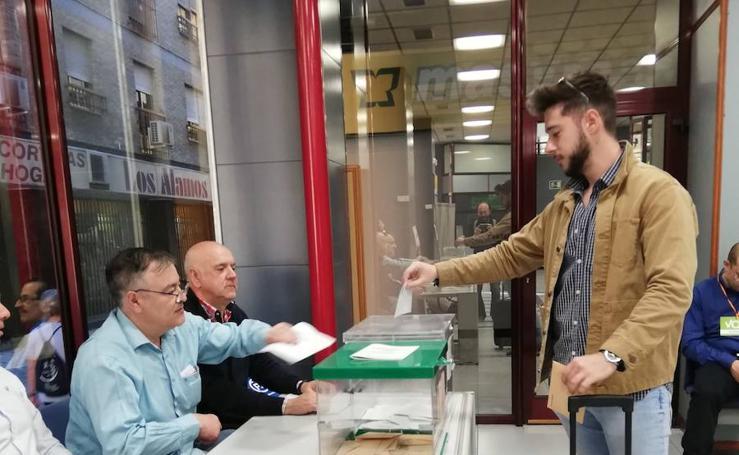 Todas las imágenes de la jornada electoral en Jaén