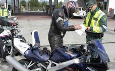 La DGT estudia premiar con 3 puntos más en el carnet a los motoristas