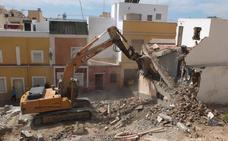 Comienzan a caer las casas compradas en Almanzor para «realzar» la Alcazaba