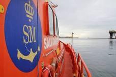 Rescatan una patera tras dos días de navegación por Alborán