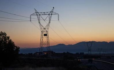La línea eléctrica entre Caparacena y Baza empezará a ejecutarse este otoño