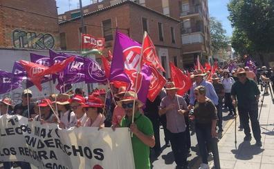 Trabajadores y sindicatos salen a la calle para reivindicar derechos en Motril