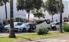 Aparatoso accidente en El Toyo