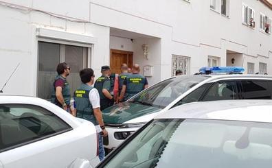 El niño que sobrevivió al crimen machista de Tenerife ya está con sus abuelos