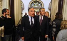 Vox respalda las medidas del Gobierno andaluz de PP- Cs en el Parlamento pese al amago de romper la alianza