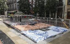 Cae la Cruz de la Plaza del Carmen cuando la preparaban para la fiesta