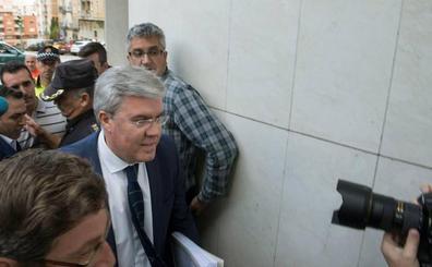 El escrito de acusación del PSOE pide once años de cárcel para Fernández de Moya