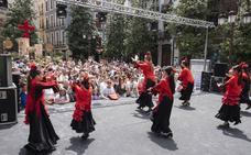 Un masivo Día de la Cruz que 'corta' Granada