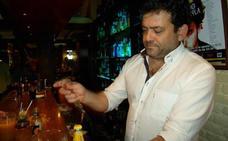 La noche de Almuñécar, de luto por la muerte del propietario del pub Jabeque