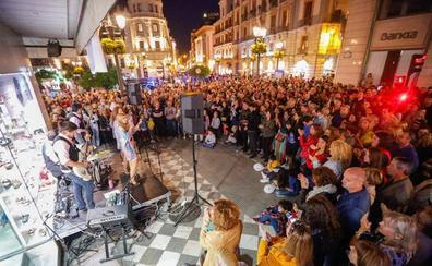 Más de 400.000 personas disfrutaron de las cruces y la Noche en Blanco en Granada