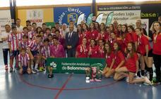 Loja corona como campeones andaluces al Córdoba y al Maristas de Málaga