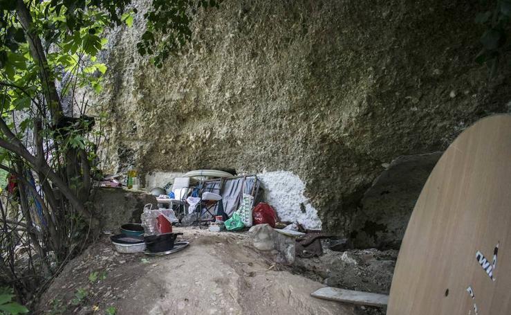 El regreso de los 'okupas' de la fuente del Avellano, en imágenes