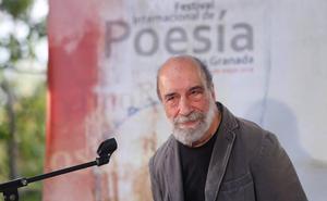 Raúl Zurita: «He tenido que romper con la apatía, la indulgencia y mi falta de talento»