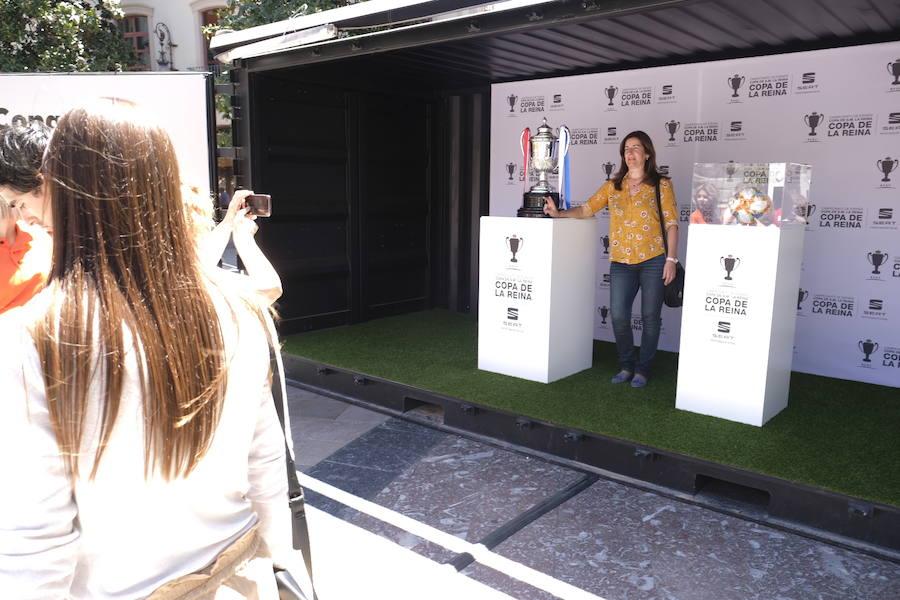 Ya se vive ambiente de final de Copa de la Reina en Granada