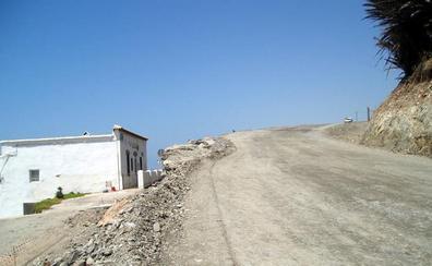 Comienzan las obras la carretera entre Guainos Bajos y Adra