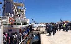 Al menos 50 muertos al naufragar una barca de emigrantes en Túnez