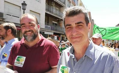 Cambril acusa de complicidad a los alcaldes que han permitido que Granada esté sin tren