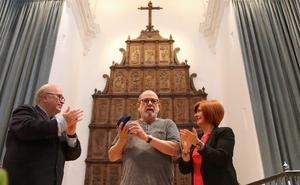 Silvio Rodríguez recibió la Medalla de Oro del Festival de Música y Danza