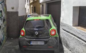 Sacromonte y Albaicín son una trampa para los coches anchos
