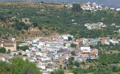 Cuatro personas resultan heridas tras colisionar una furgoneta y un turismo en Albuñuelas