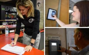 Fichar en Granada: de las plantillas fotocopiadas al registro digital y geoposición del trabajador